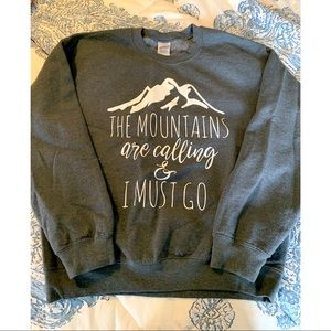 The mountains are calling sweatshirt 🏔